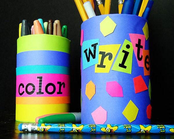 Portapenne con cartoncini colorati
