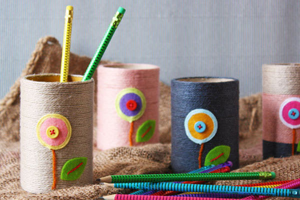Portapenne con filo di cotone colorato