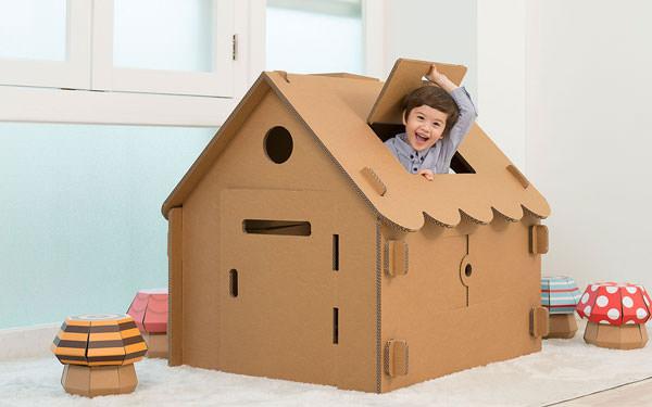 20 casette di cartone fai da te per bambini for Grande casetta per bambini