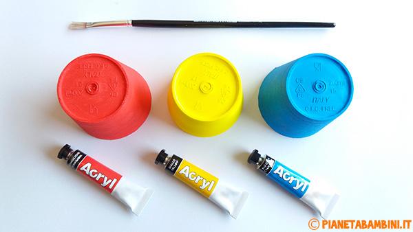 Come dipingere i bicchieri termici per creare i granchietti