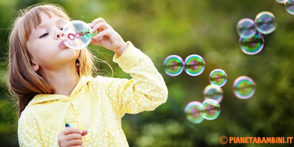 Ingredienti e procedimento per fare le bolle di sapone a casa