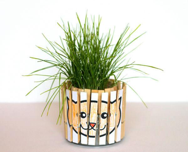 Come creare un vaso con mollette di legno