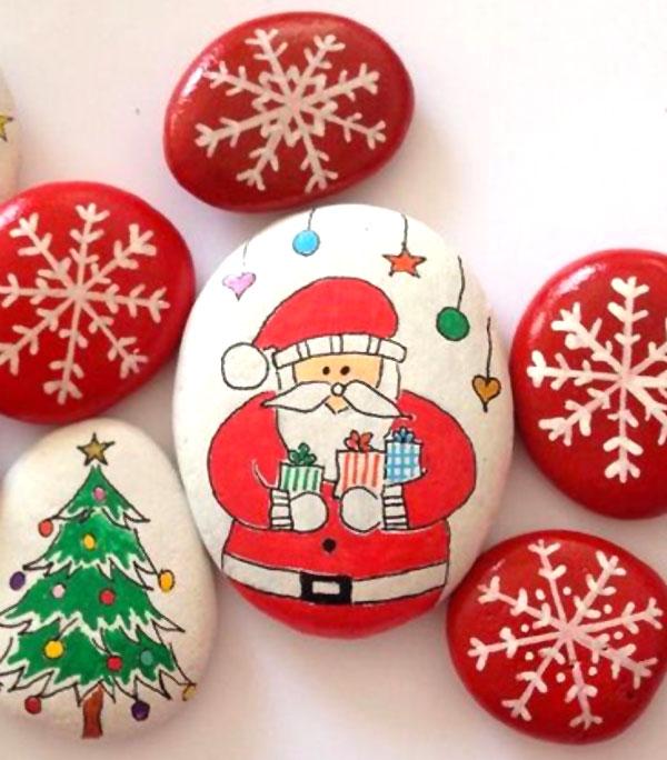 Decorazioni natalizie con i sassi