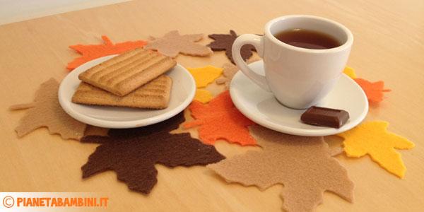 Come creare una tovaglietta con foglie in feltro ispirata all'autunno