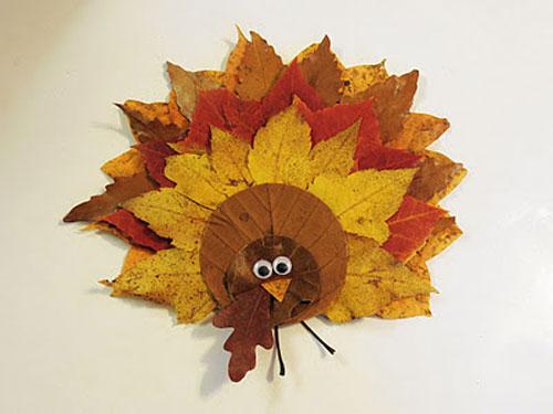 Come creare un tacchino con le foglie autunnali