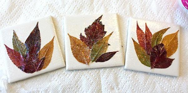Come creare dei sottobicchieri con foglie autunnali