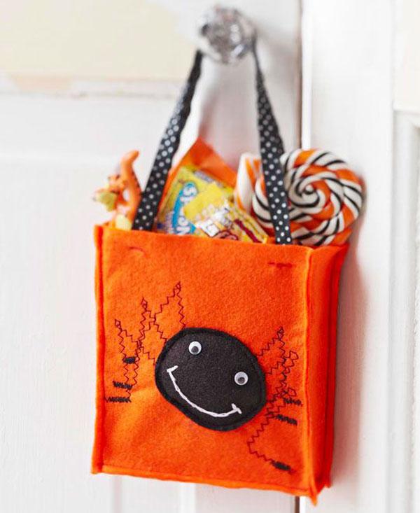 Come creare una borsa in feltro per Halloween