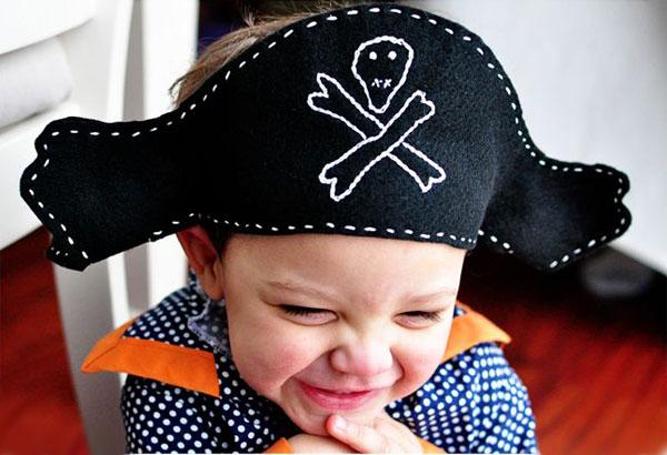 Come creare un cappello da pirata in feltro per Halloween