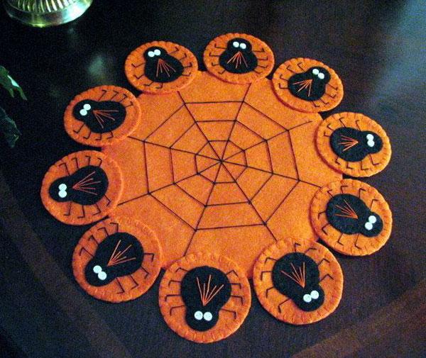 Come creare un centrotavola in feltro per Halloween