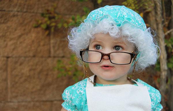 Come creare un costume da anziana fai da te