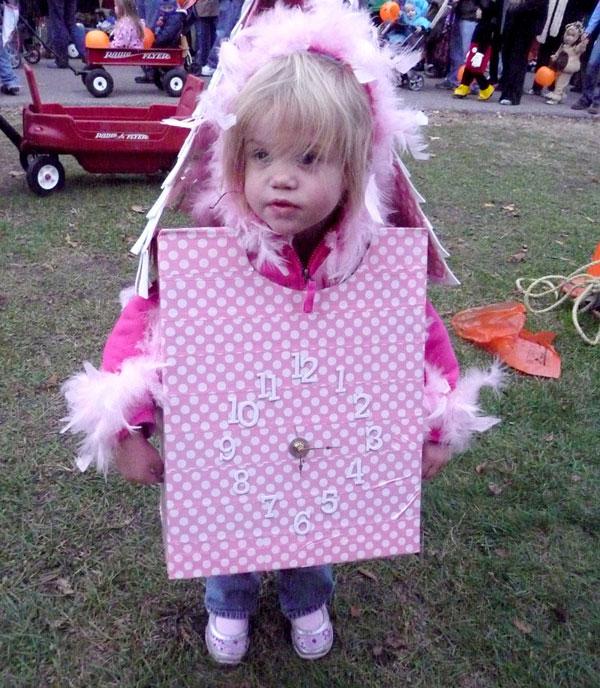 Come creare un costume da orologio a cucu fai da te per bambini