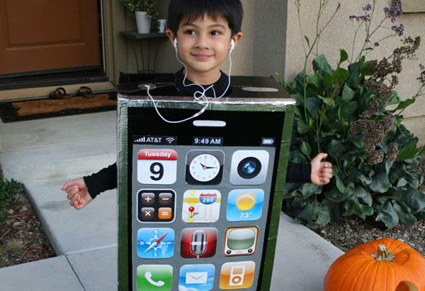 Come creare un costume da iPhone fai da te per bambini