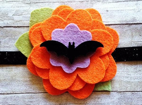 Come creare dei fermacapelli in feltro per Halloween