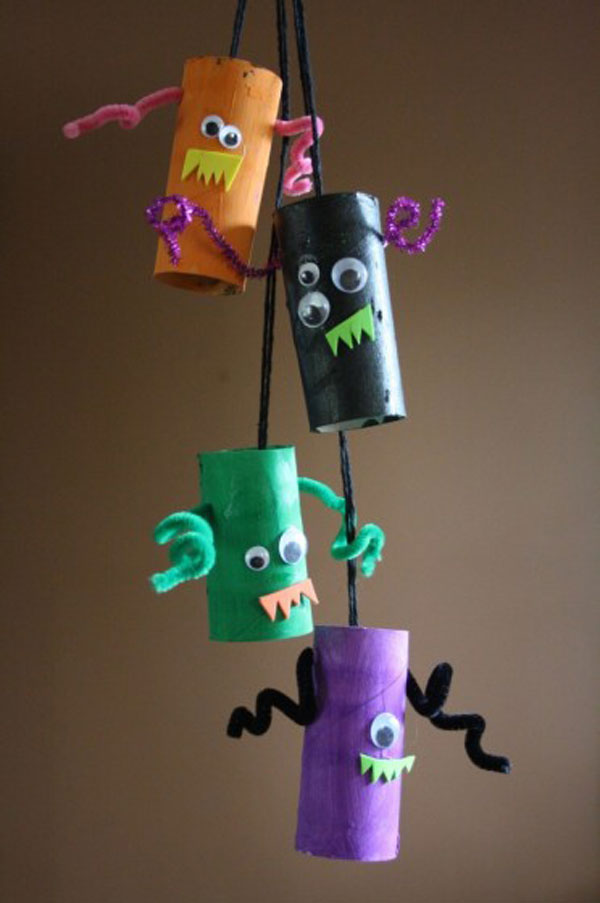 Mostri di Halloween creati con rotoli di carta n.04