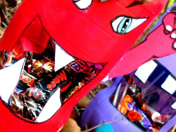 Particolare dei mostri porta caramelle di Halloween