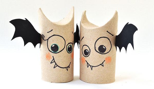 Pipistrelli creati con rotoli di carta n.01