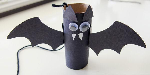 Pipistrelli creati con rotoli di carta n.04