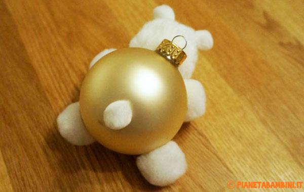 Applicazione della coda dell'orsetto natalizio
