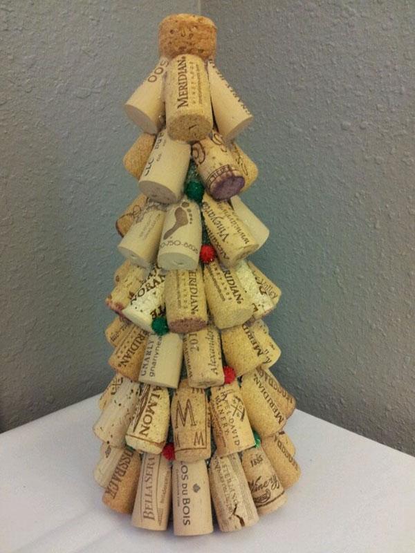 Modello di albero di Natale con tappi di sughero n.04