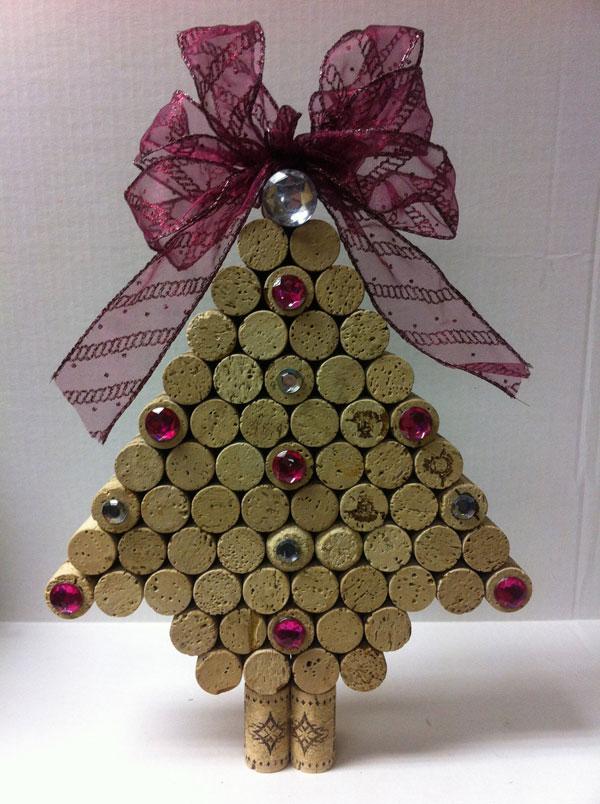 Modello di albero di Natale con tappi di sughero n.08