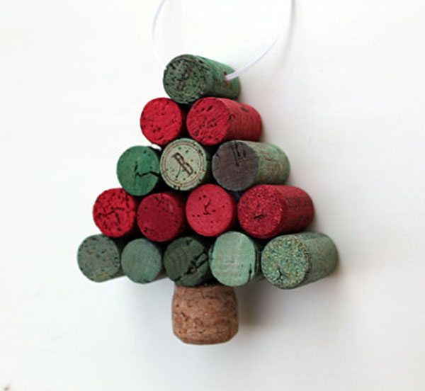 Modello di albero di Natale con tappi di sughero n.12