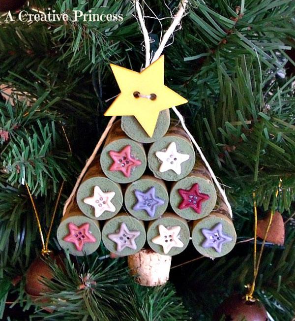 Modello di albero di Natale con tappi di sughero n.13