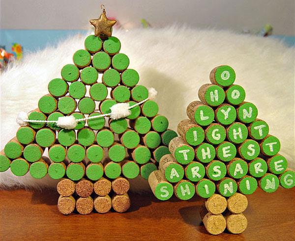 Modello di albero di Natale con tappi di sughero n.15