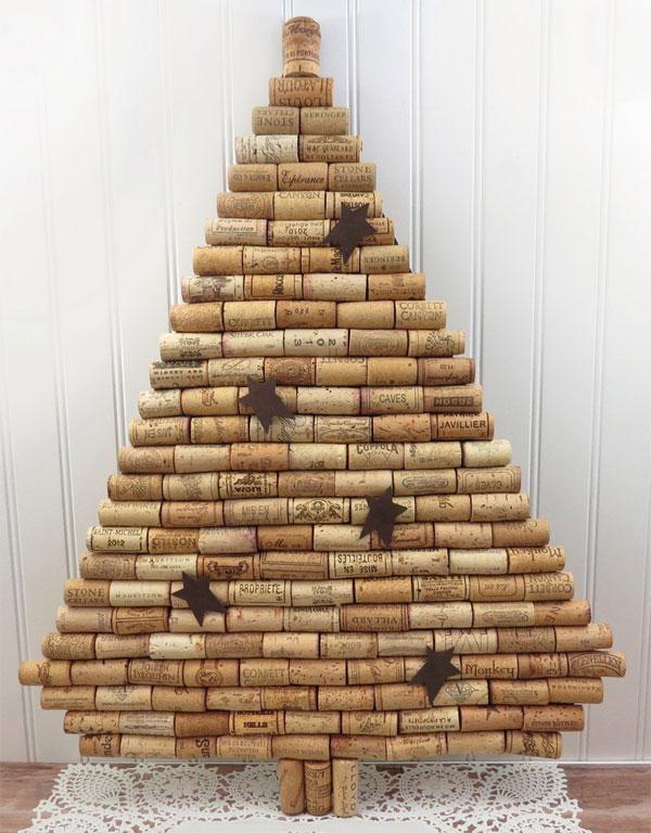 Modello di albero di Natale con tappi di sughero n.16