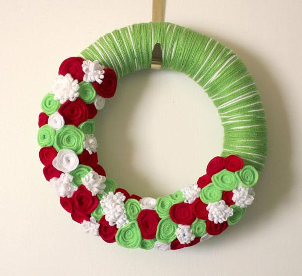 Modello di ghirlanda natalizia in feltro n.09
