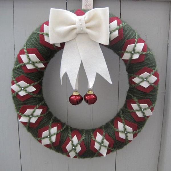 Modello di ghirlanda natalizia in feltro n.10