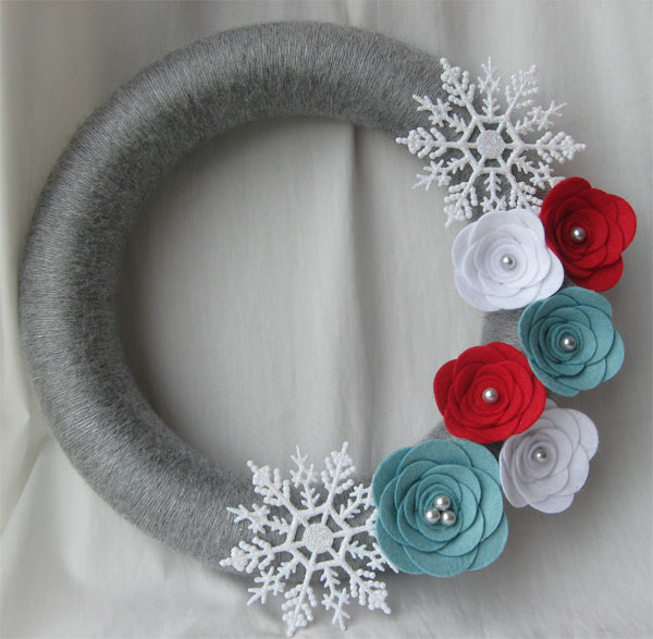 Modello di ghirlanda natalizia in feltro n.29