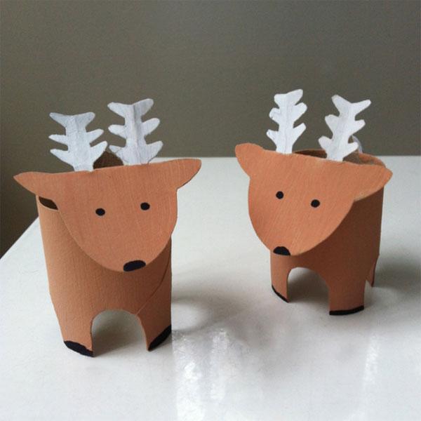 Versione della renna con rotoli di carta n.2