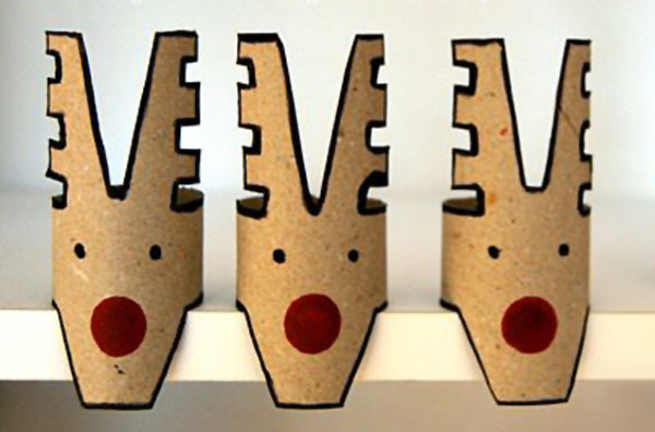 Versione della renna con rotoli di carta n.4