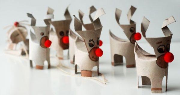Versione della renna con rotoli di carta n.6