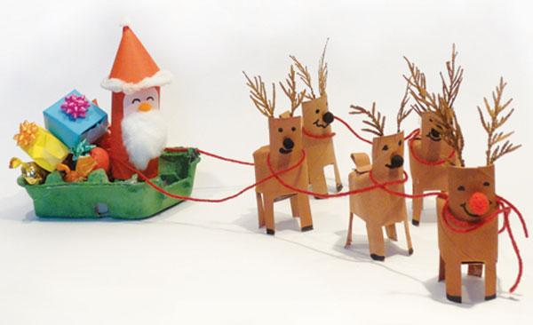 Versione della renna con rotoli di carta n.7