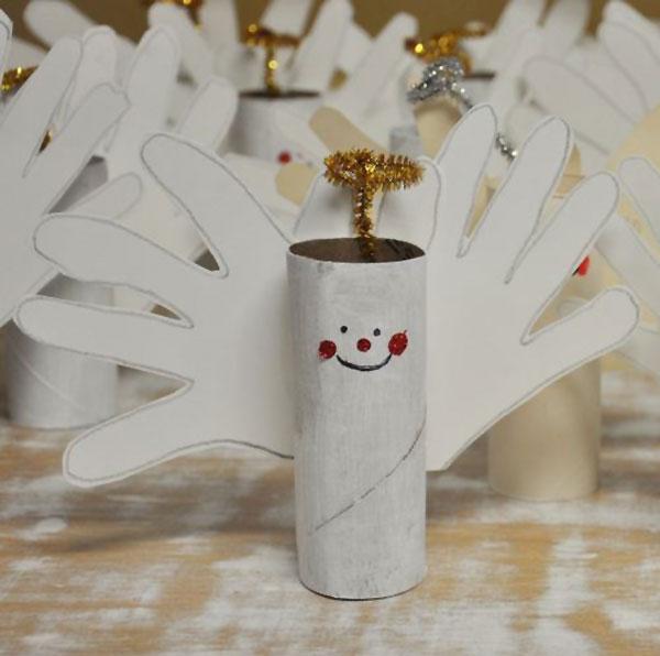 Angioletti con rotoli di carta come lavoretti natalizi n.2