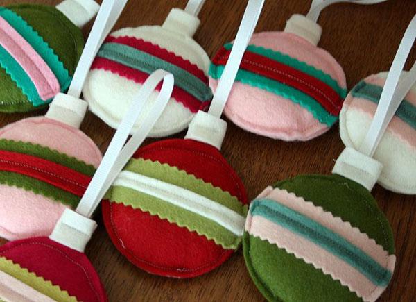 Modello di palline di Natale in feltro fai da te n.04