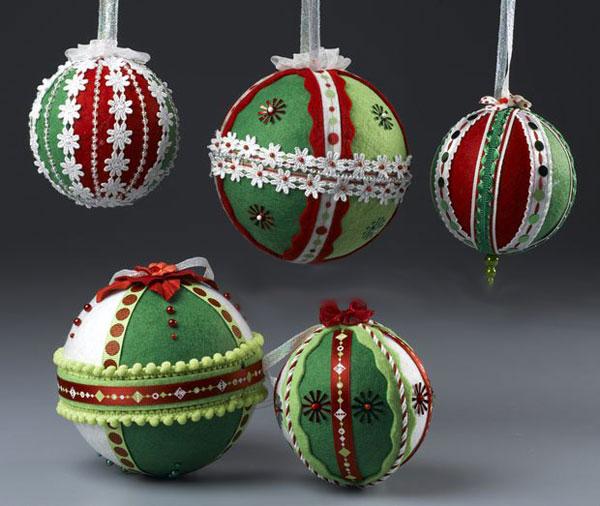 Modello di palline di Natale in feltro fai da te n.05