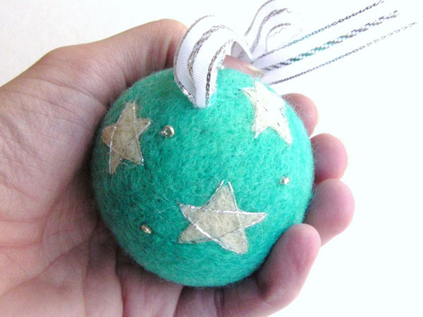 Modello di palline di Natale in feltro fai da te n.07