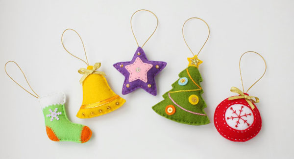 Modello di palline di Natale in feltro fai da te n.11