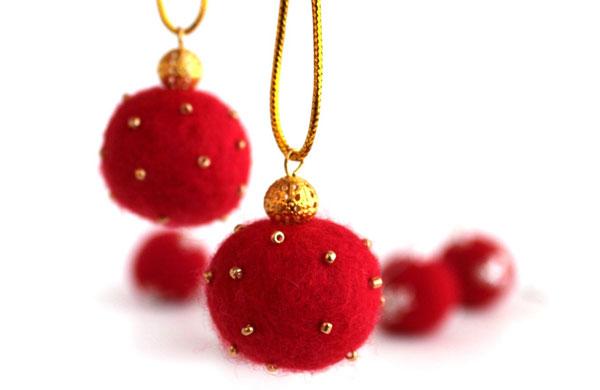 Modello di palline di Natale in feltro fai da te n.24