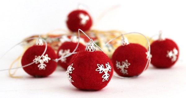 Modello di palline di Natale in feltro fai da te n.25