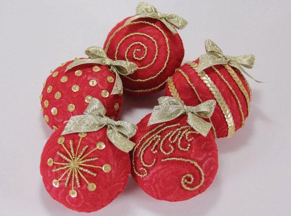 Modello di palline di Natale in feltro fai da te n.26