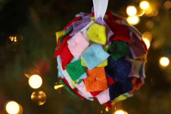Modello di palline di Natale in feltro fai da te n.29
