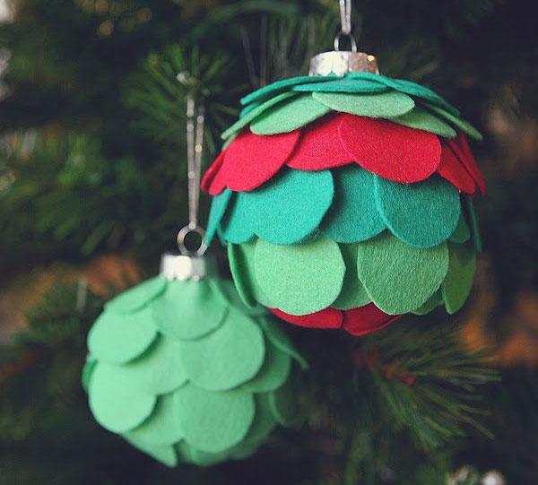 Modello di palline di Natale in feltro fai da te n.30