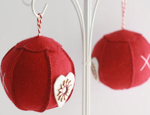 Modello di palline di Natale in feltro fai da te n.34