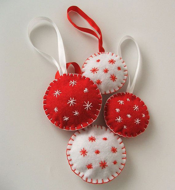 Modello di palline di Natale in feltro fai da te n.36
