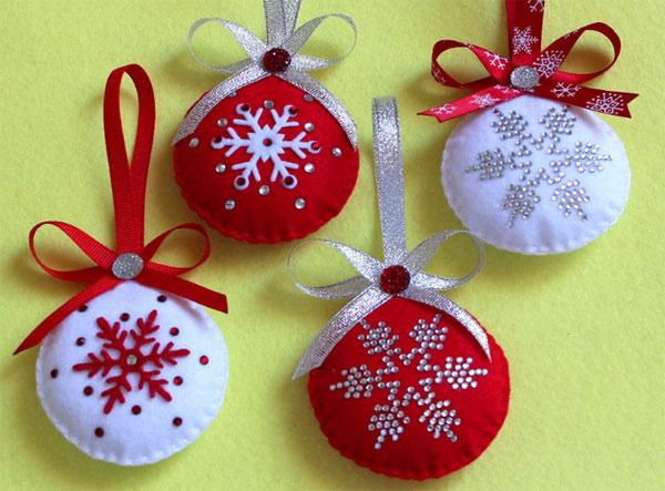 Modello di palline di Natale in feltro fai da te n.39