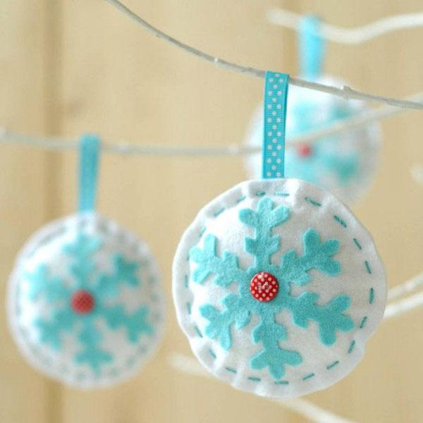 Modello di palline di Natale in feltro fai da te n.50