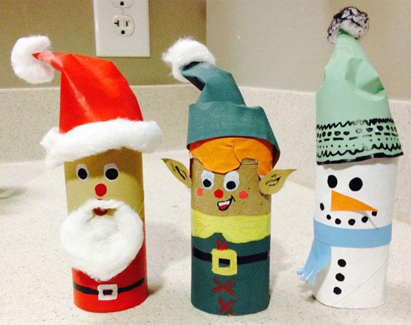 Personaggi natalizi realizzati con rotoli di carta